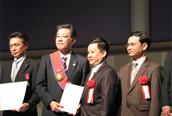 カンボジアから勲章を授与